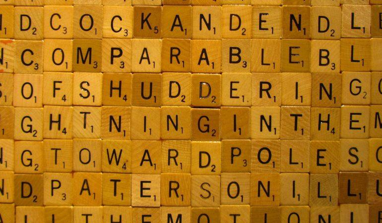Les avantages d'utiliser le solver de mots fléchés et cachés